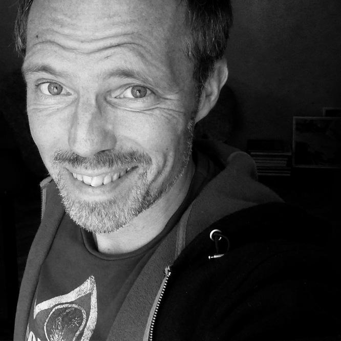 Praktikum in der ORF Grafik unter Erich Sokol. Seit 1988 selbstständig als Illustrator. Arbeiten für österreichische und internationale Agenturen und ... - pleesz_portrait